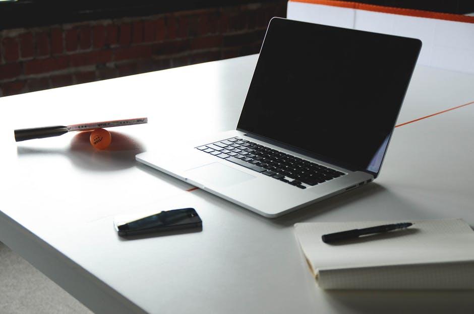 Cómo adaptar material a tus clases de ELE online en 6 claves